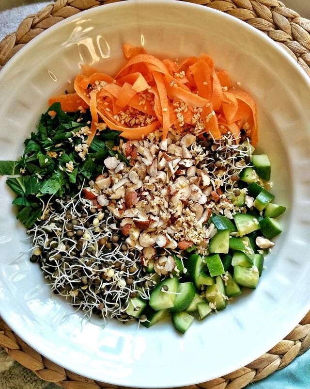 filizlendirilmis-mercimekli-salata